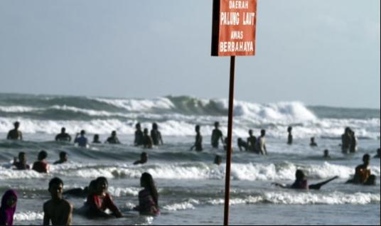 Awas, Hindari Bahaya Tenggelam Dengan Tips Berikut