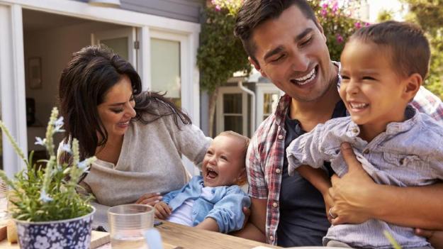 Mengapa Anak Punya Orang Tua Favorit Dan Bagaimana Cara Mengatasinya?