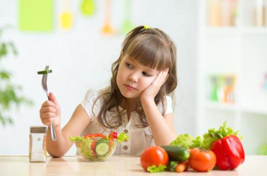 Anak Susah Makan? Cara Ini Akan Hentikan Kebiasaan Buruknya